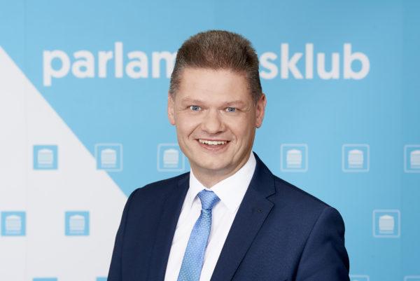 Mag. Andreas Hanger